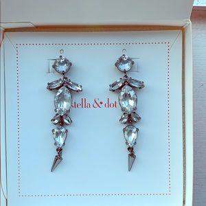 Stella & Dot Jocelyn drop earrings